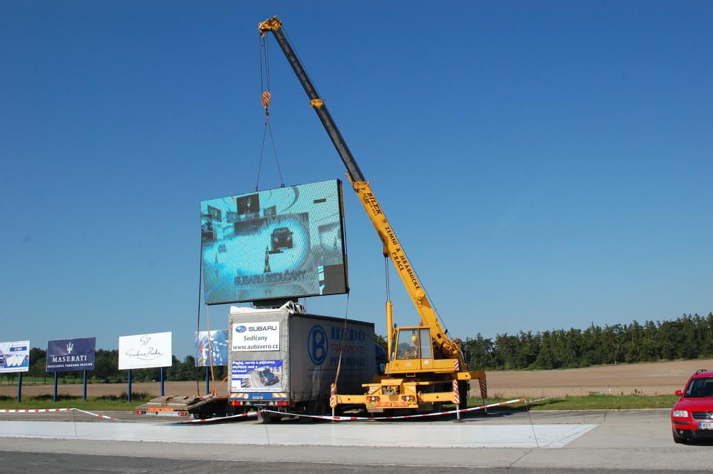 Rallye Příbram – instalace velkoplošné obrazovky